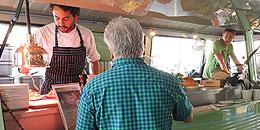 Gourmet Foodtruck beim Autohaus-Erlebnistag